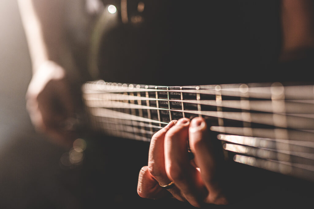 Pelastava Tekijä, kitarapromokuva, ohjelmatoimisto Tour de Talents
